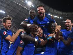 Francia celebró por todo lo alto su pase a la final. (Foto: Getty)