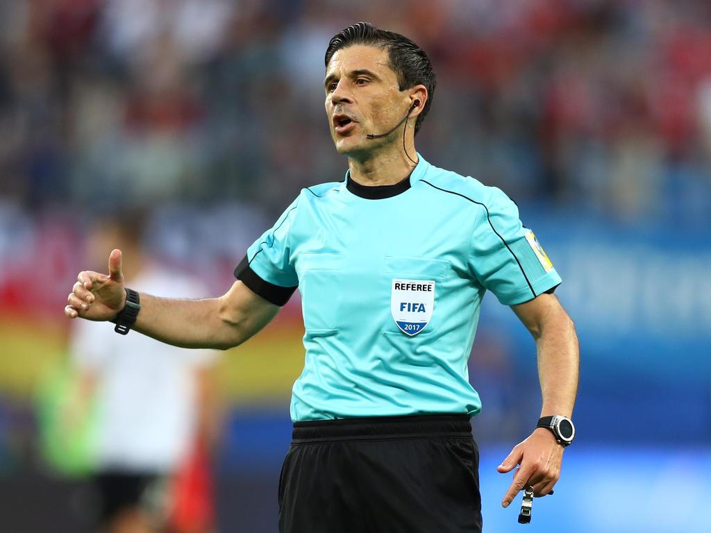 Milorad Mazic pfeift das Finale der Champions League