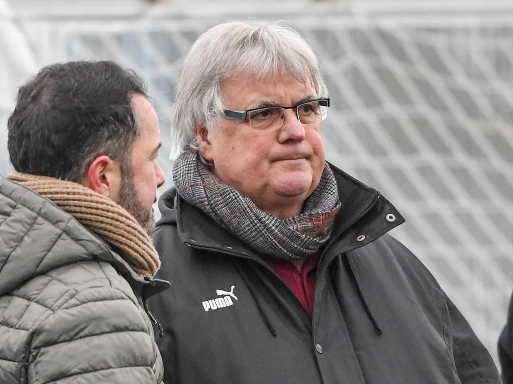 Hubert Nagel (rechts) bleibt dem Verein als Berater treu