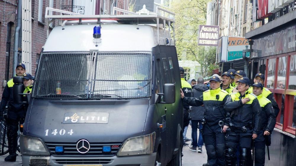 Die Polizei in Amsterdam hat 120 Juve-Anhänger festgenommen