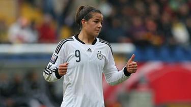 Nationalspielerin Lena Lotzen verlängert im Breisgau