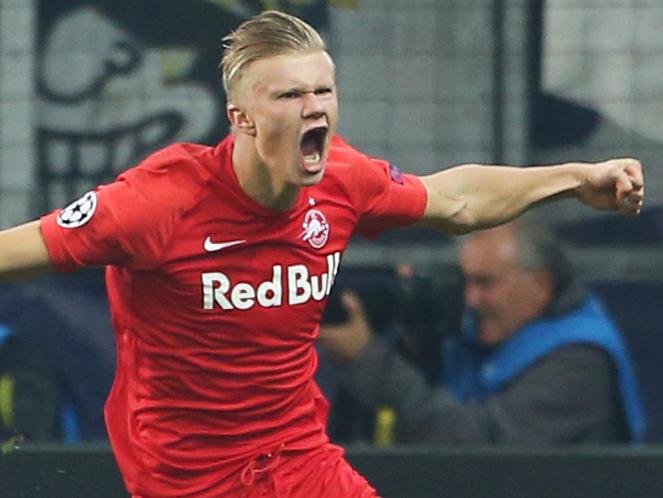 Erling Håland celebra uno de sus tantos contra el Genk.