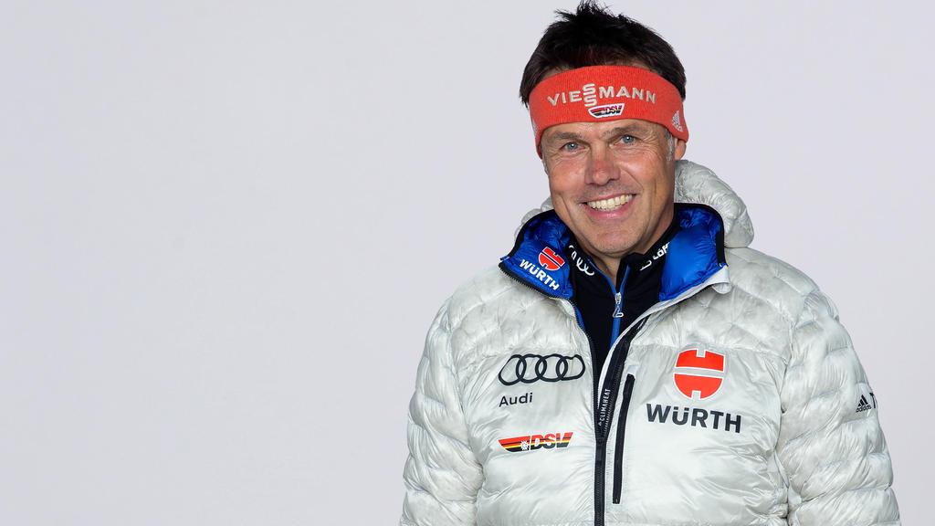 Bundestrainer Andreas Bauer spricht sich für eine schnelle Einführung der Vierschanzentournee für Frauen aus
