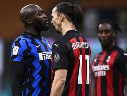 Lukaku y Zlatan se enzarzaron durante el duelo.