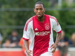 Fabian Sporkslede in actie in de oefenwedstrijd tussen Ajax en SDC Putten in 2014.
