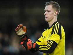 Doelman Stan van Bladeren baalt nadat Feyenoord A1 scoort tegen Ajax A1. De Amsterdammer krijgen tien minuten voor tijd een doelpunt tegen bij een 2-0 voorsprong. (17-01-2015)