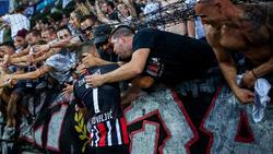 Dejan Joveljic wurde von den mitgereisten Frankfurt-Fans gefeiert