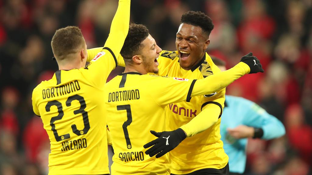 Borussia Dortmund jubelt über den Sieg gegen den 1. FSV Mainz 05