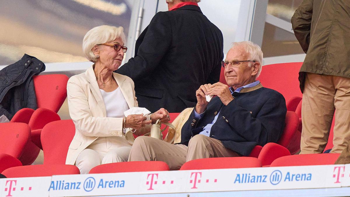 Edmund Stoiber sitzt im Aufsichtsrat des FC Bayern