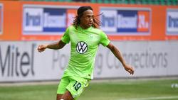 Kevin Mbabu vom VfL Wolfsburg ist mit dem Coronavirus infiziert