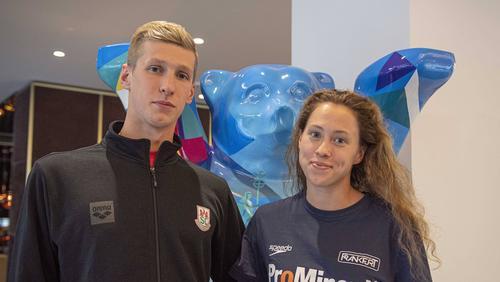 Florian Wellbrock (l.) und Sarah Köhler heiraten