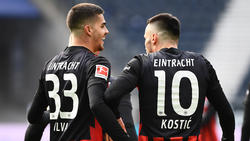André Silva (l.) und Filip Kostic von Eintracht Frankfurt