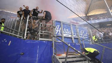Rauchbomben und Blinker im Kieler Block