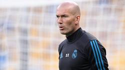 Zidane denkt angeblich über ein Angebot von Manchester United nach