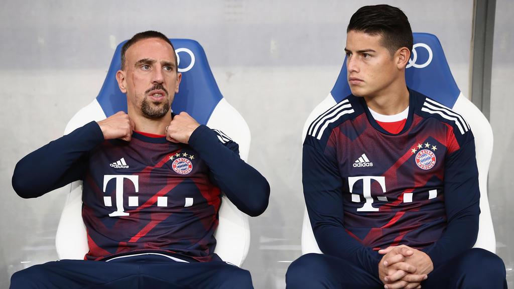 Ribéry y James en el banquillo del conjunto germano. (Foto: Getty)