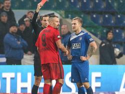 Nils Butzen (r.) ist für zwei Spiele gesperrt worden