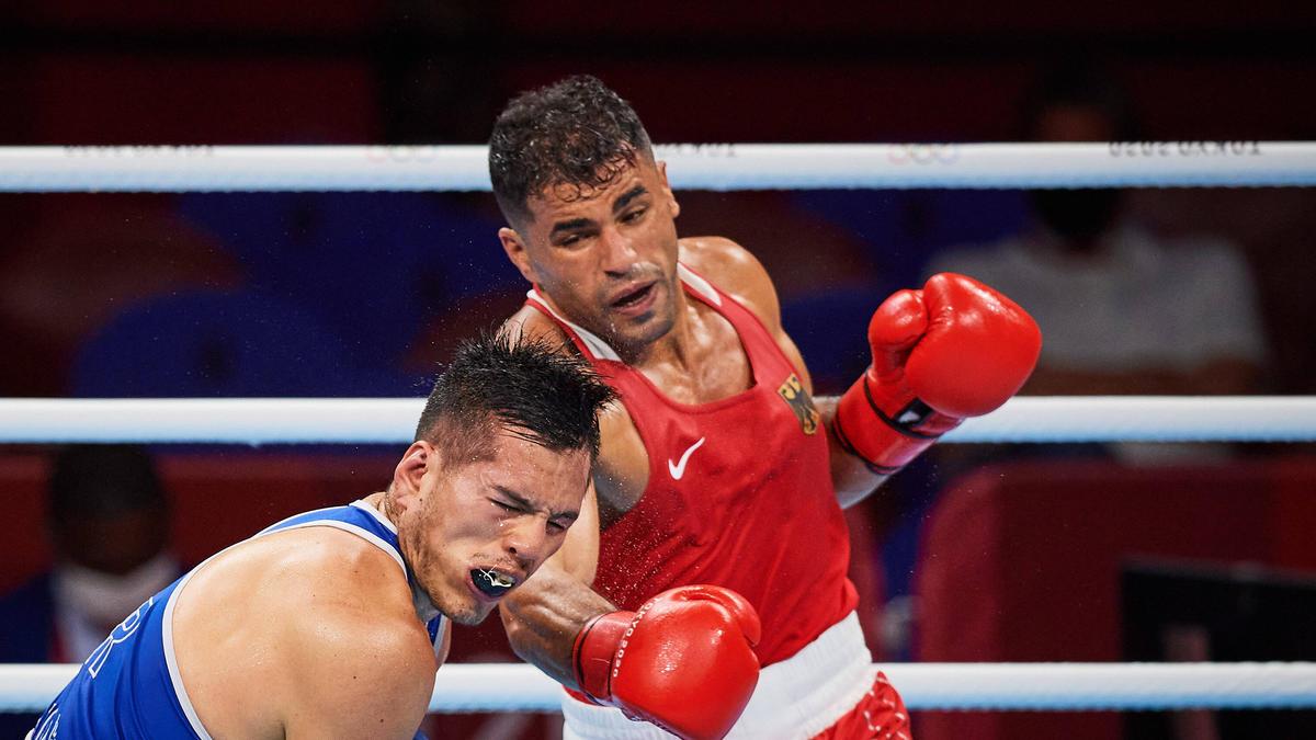 Der deutsche Boxer Ammar Abduljabbar (r.) will ins Halbfinale