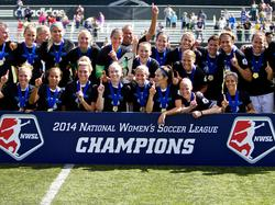 Die Frauen des FC Kansas City feiern ihren Meistertitel in der NWSL
