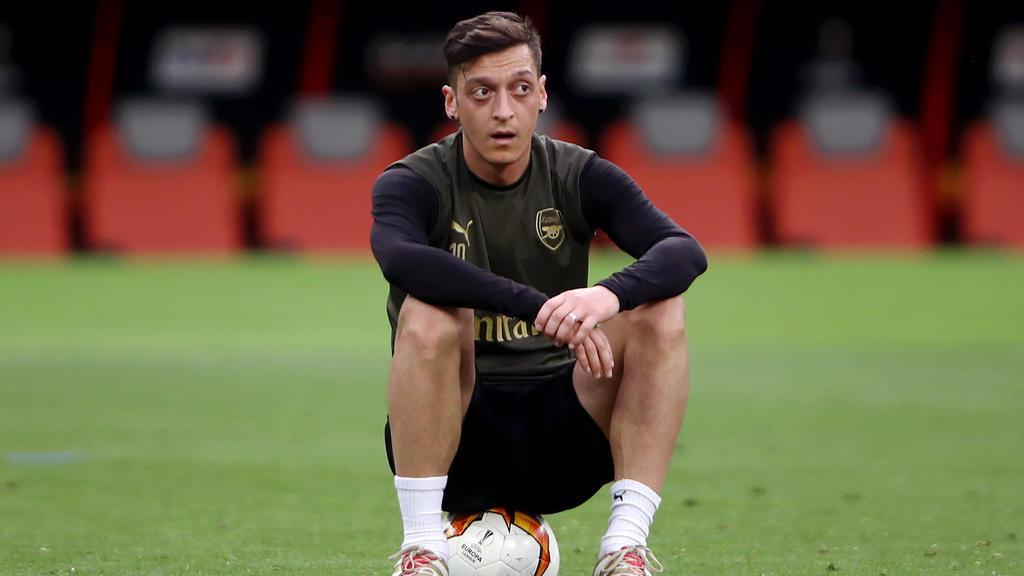 Mesut Özil sieht seine Zukunft weiterhin beim FC Arsenal