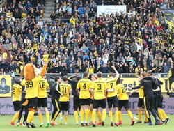 Roda JC viert feestje na afloop van het play-offduel Roda JC Kerkrade - FC Emmen. (25-05-2015)