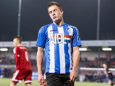 Jinty Caenepeel baalt van een gemiste kans tijdens het competitieduel Almere City FC - FC Eindhoven (12-02-2016).