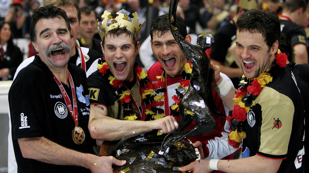 Unvergessen! Heiner Brand wird 2007 als Bundestrainer Weltmeister