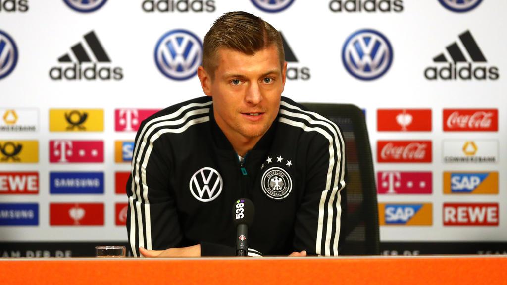 Toni Kroos holt zum Gegenschlag aus