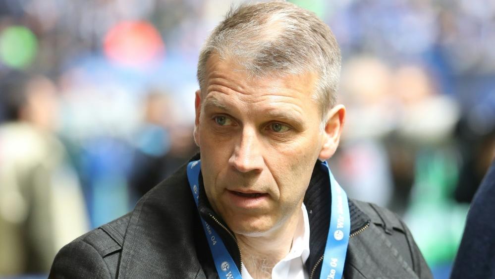 Peter Knäbel bleibt auf Schalke