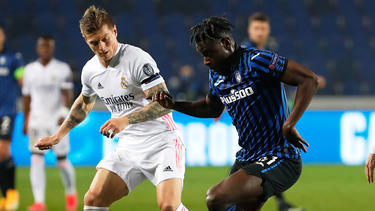Toni Kroos (l.) feierte mit Real Madrid einen knappen Auswärtserfolg
