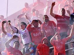 La hinchada de Independiente está de enhorabuena tras el pase de su equipo. (Foto: Imago)
