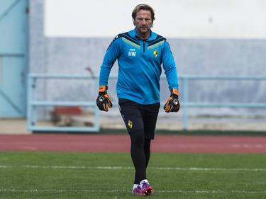 Hareld Wapenaar aan het werk als keeperstrainer bij Lierse SK (05-01-2016).