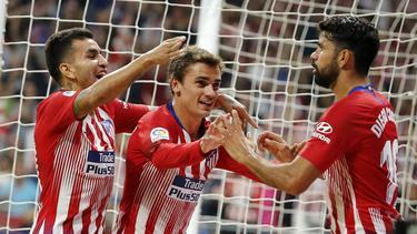 Correa, Griezmann y Costa celebran uno de los tantos locales. (Foto: Imago)