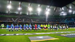 Offiziell 13.801 Zuschauer in Wolfsburg bedeuteten eine leichte Steigerung zu den Gruppenspielen