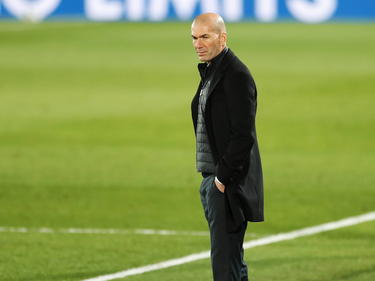 Zidane en la zona técnica frente al Atalanta.