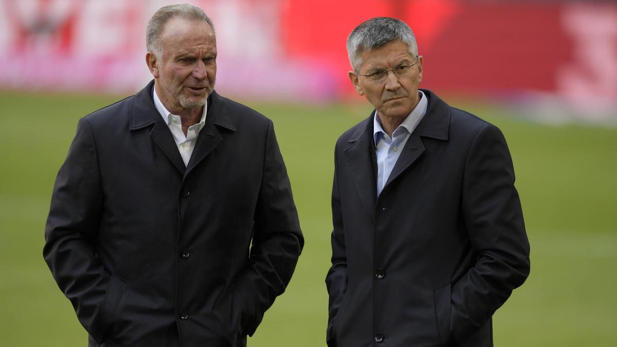 Präsident des FC Bayern: Herbert Hainer (r.)