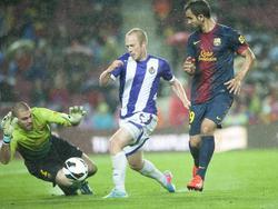 Larsson scheitert im Regen an Víctor Valdés