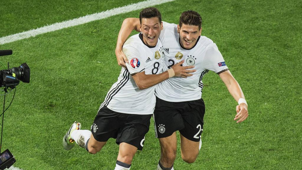 Mesut Özil und Mario Gomes laufen nicht mehr für den DFB auf