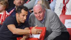 Bayerns Sportdirektor Salihamidzic und Präsident Uli Hoeneß im Gespräch