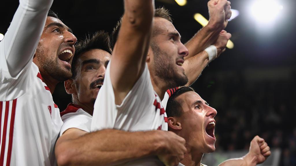 Die Olympiakos-Spieler bejubeln das Weiterkommen