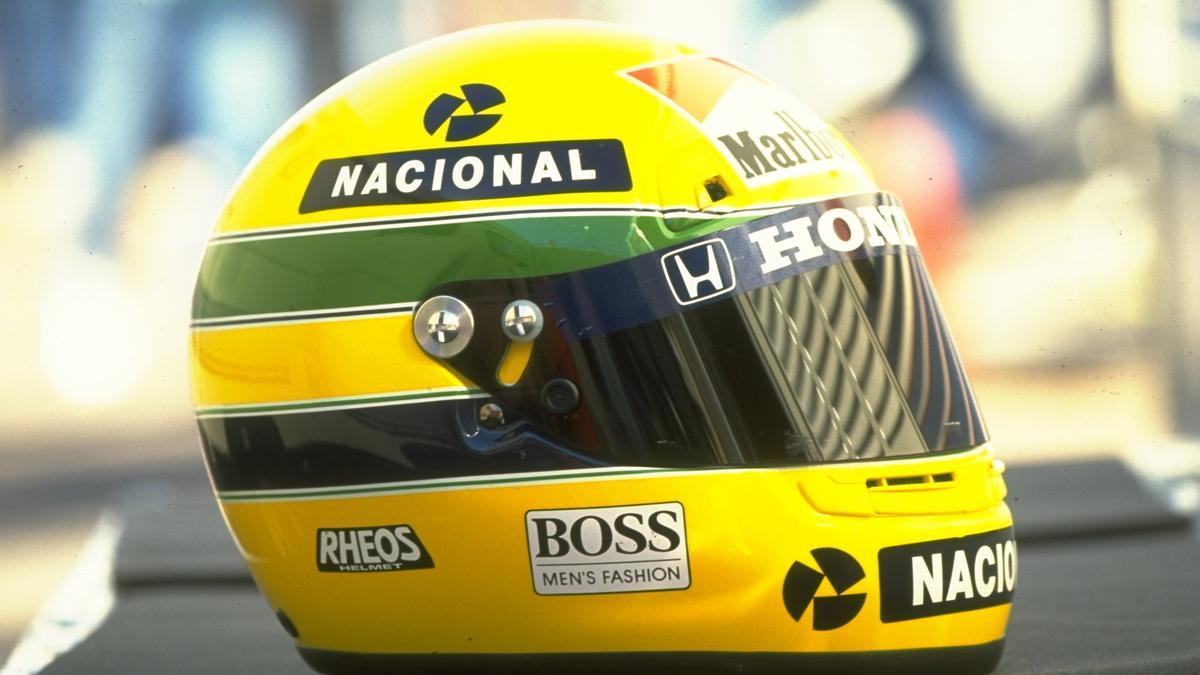 Der Papst bekam den Helm von Ayrton Senna geschenkt