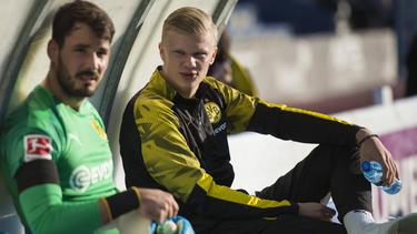 Erling Haaland (r.) lief gegen Standard Lüttich noch nicht für den BVB auf
