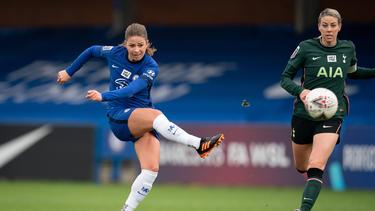 Melanie Leupolz (l.) wechselte im Sommer vom FC Bayern zum FC Chelsea