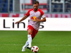 Salzburg-Kapitän Ulmer am Ball