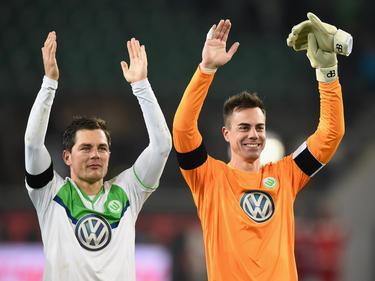 """Marcel Schäfer (l.) sagt beim VfL Wolfsburg """"Auf Wiedersehen"""""""