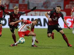 Der 1. FC Nürnberg spielt nur unentschieden gegen Jahn Regensburg