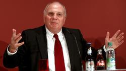 Uli Hoeneß forderte die Tabellenführung vom FC Bayern