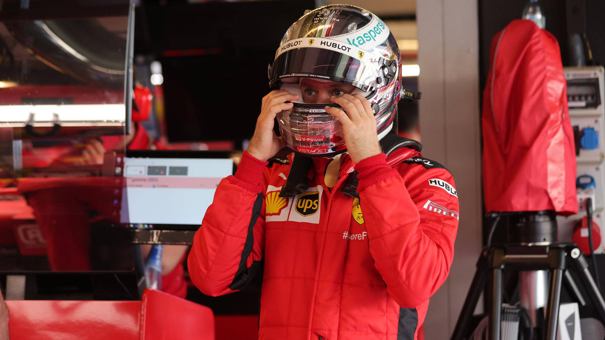 Ein letztes Mal hat Sebastian Vettel für Ferrari den Helm aufgezogen