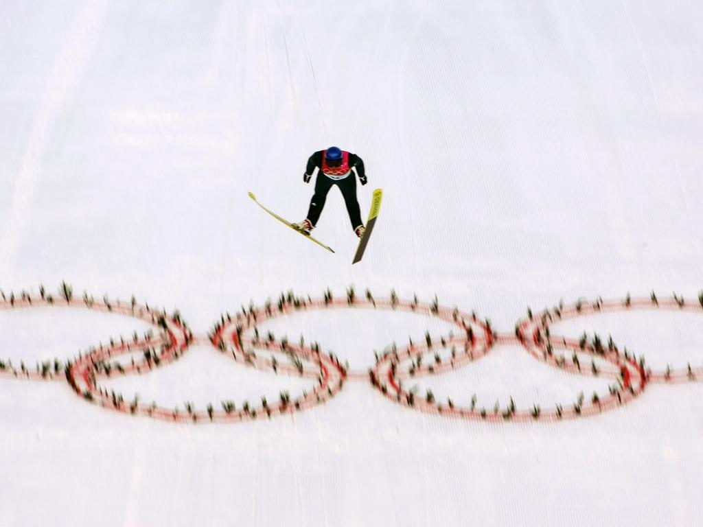 Der Ski-Weltverband FIS setzt sich für die Aufnahme der Nordischen Kombination der Frauen bei Olympia ein