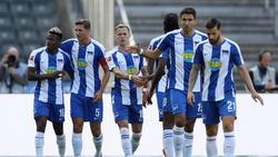 Dilrosun (l.) erzielte ein sehenswertes Tor gegen Paderborn