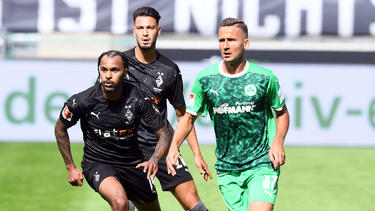 Valentino Lazaro (l.) steht bei Eintracht Frankfurt auf dem Zettel